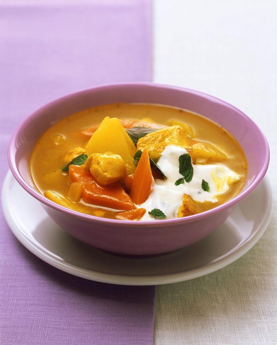Kippensoep met kerrie en aardappelen