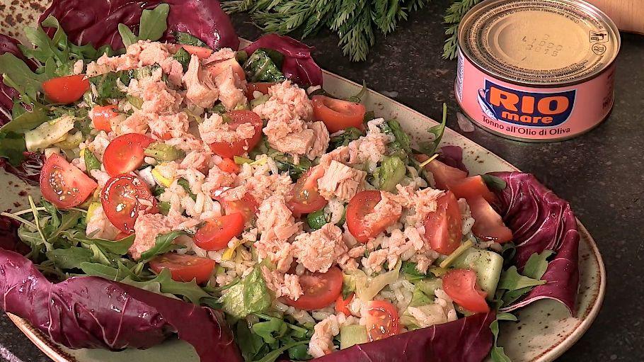 Italiaanse rijstsalade met tonijn