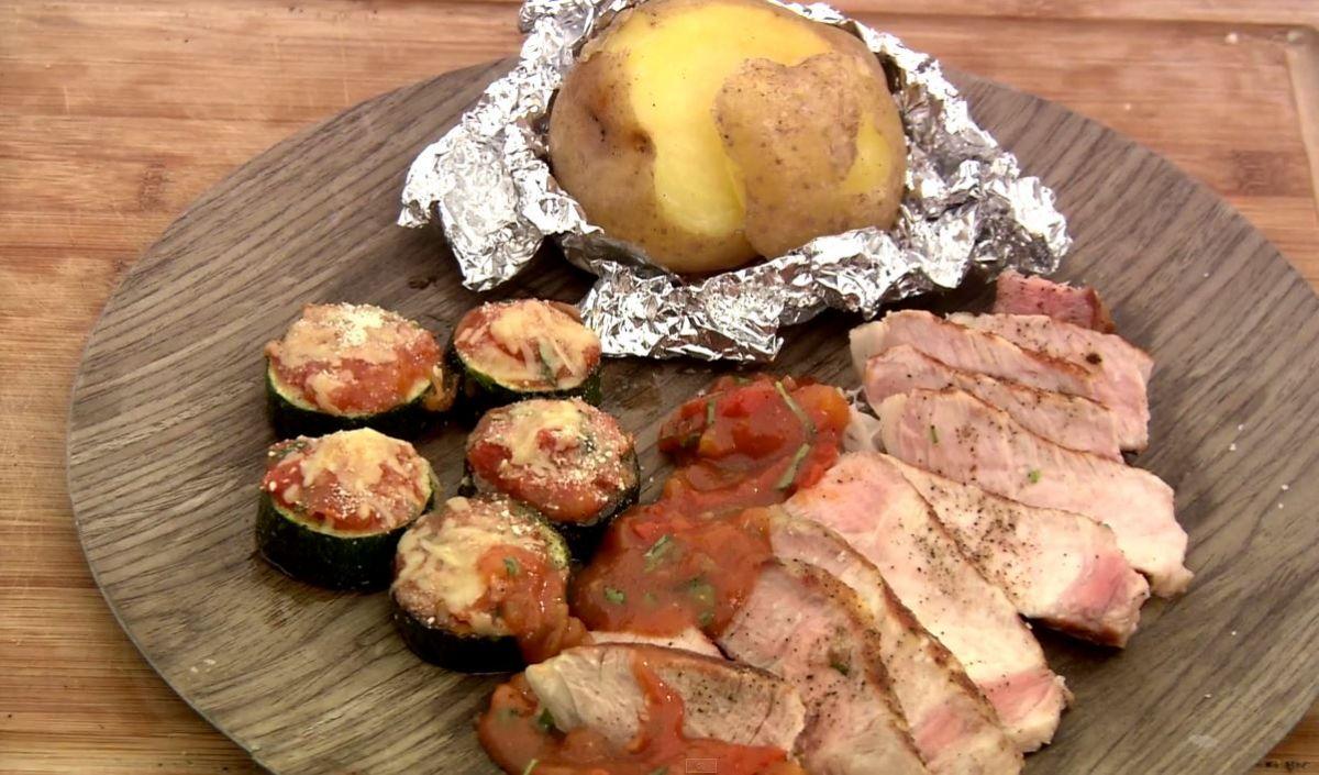 Varkenskotelet op de barbecue