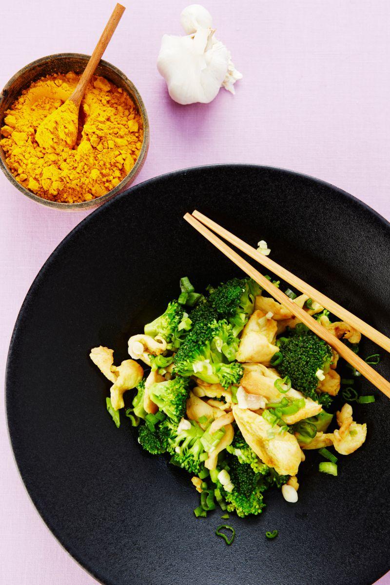 Kip met broccoli