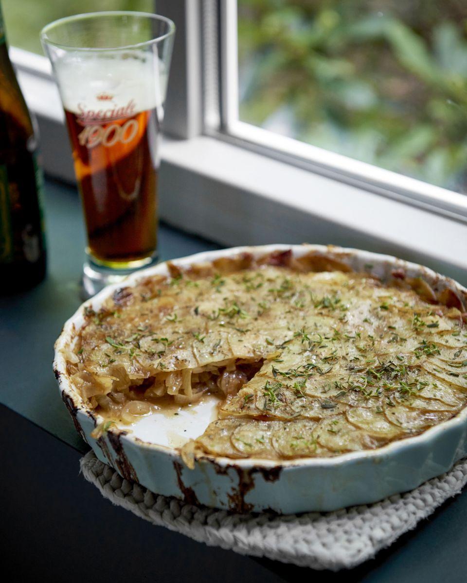Taart van ajuin en aardappel