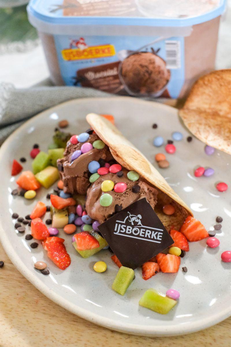 Zoete taco's met chocolade-ijs