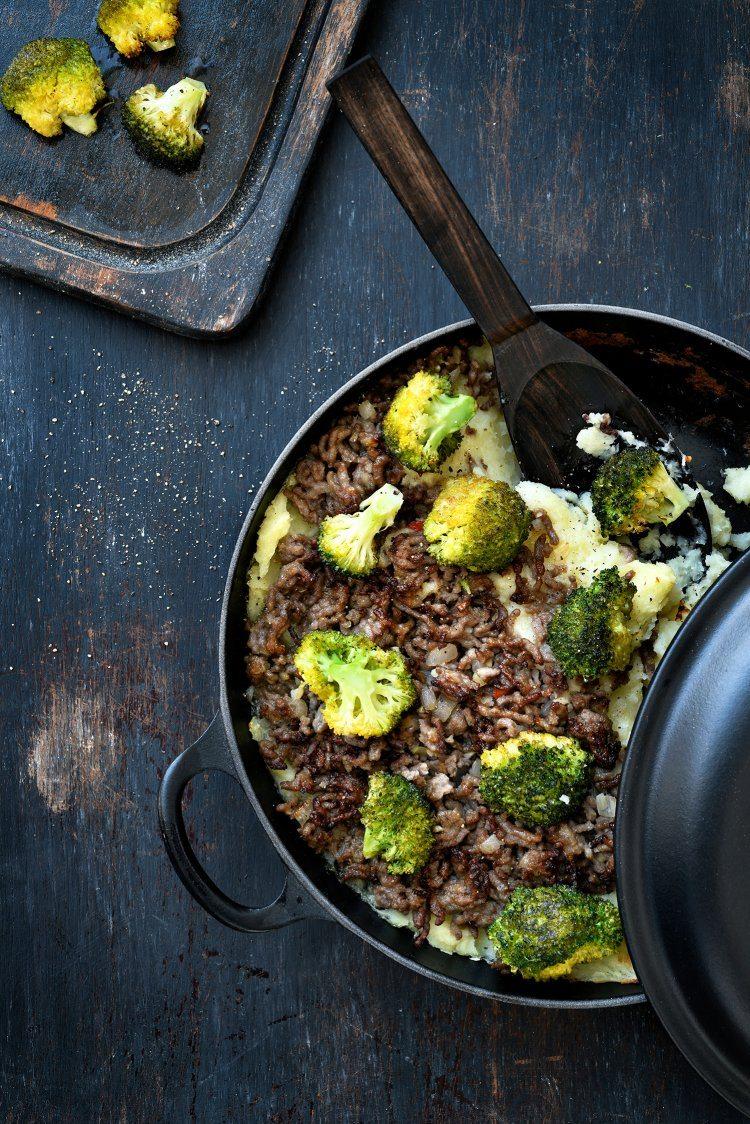 Ovenschotel met rundsgehakt, pastinaak en geroosterde broccoli