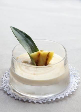 Witte chocoladecrème met ananas