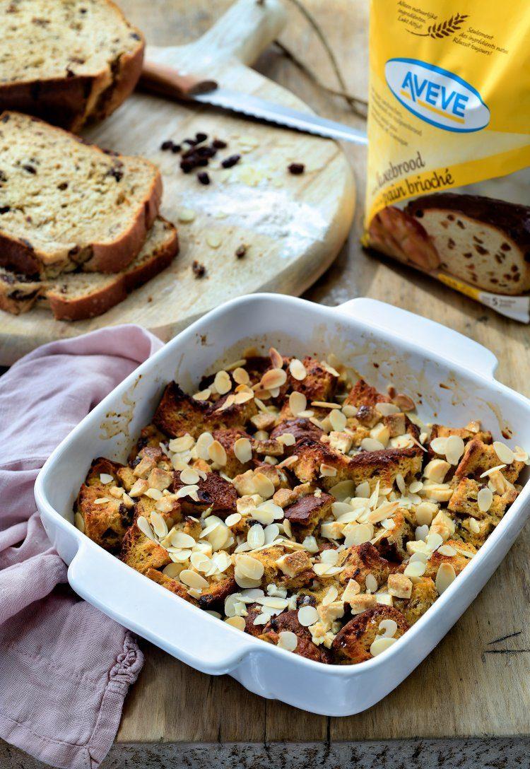 Broodpudding van rozijnenbrood