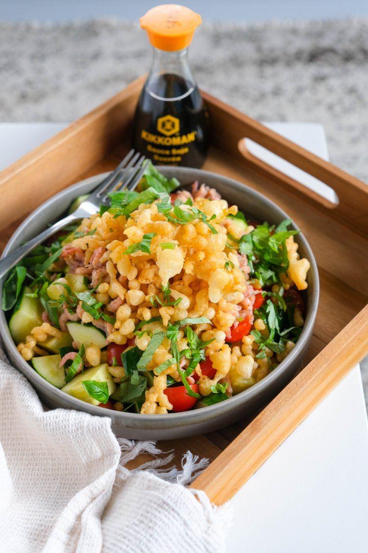 Thaise salade met garnalen en tempurakorrels