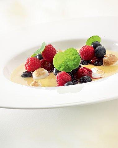 Crème brulée met compote van rode vruchten