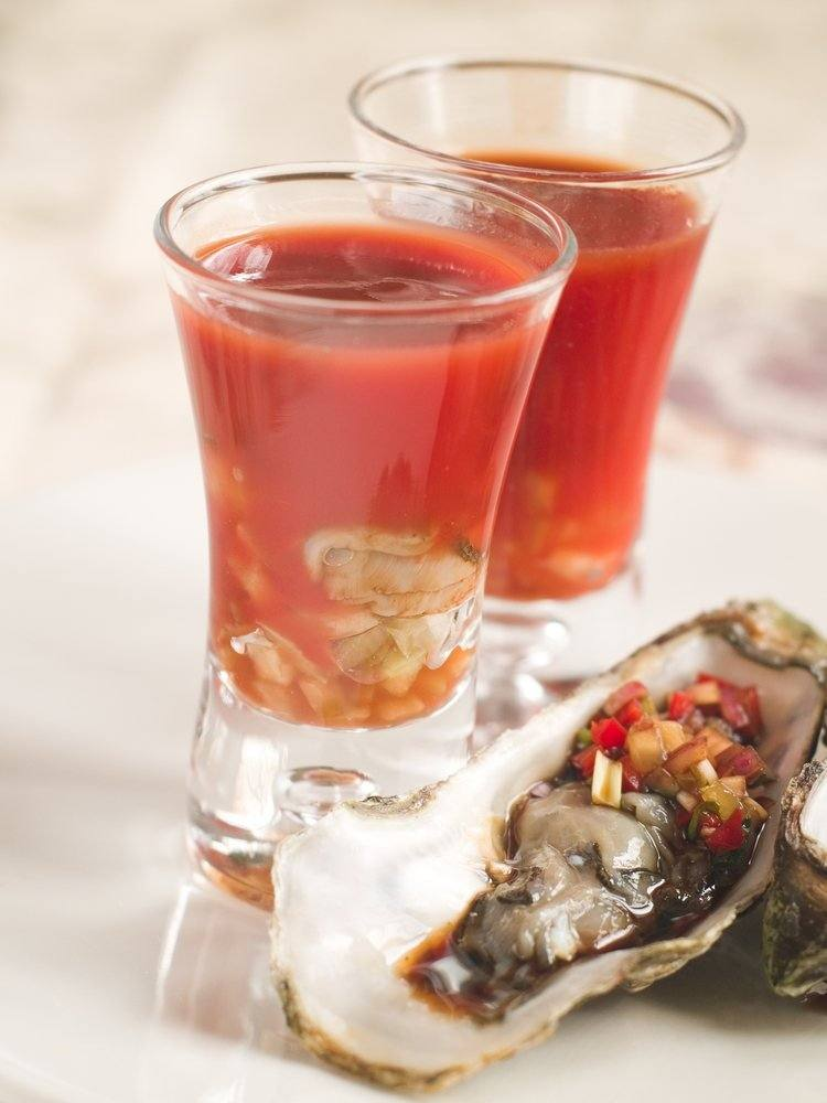 Bloody Dominique – bloody mary met oesters