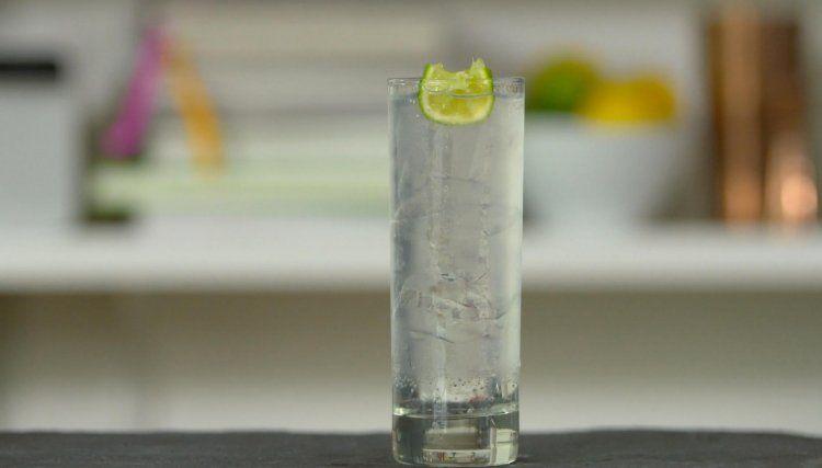 Tanqueray Ten Gin & Tonic
