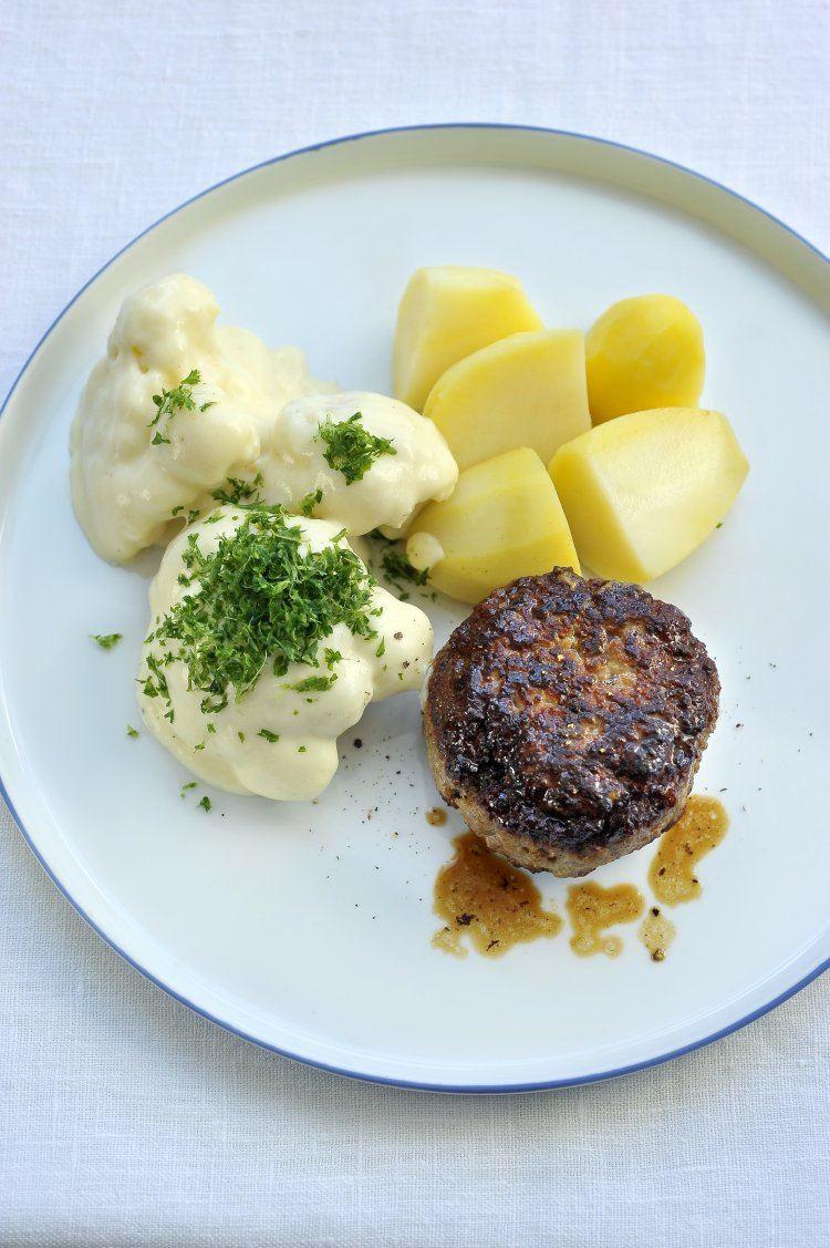Hamburger met bloemkool in witte saus