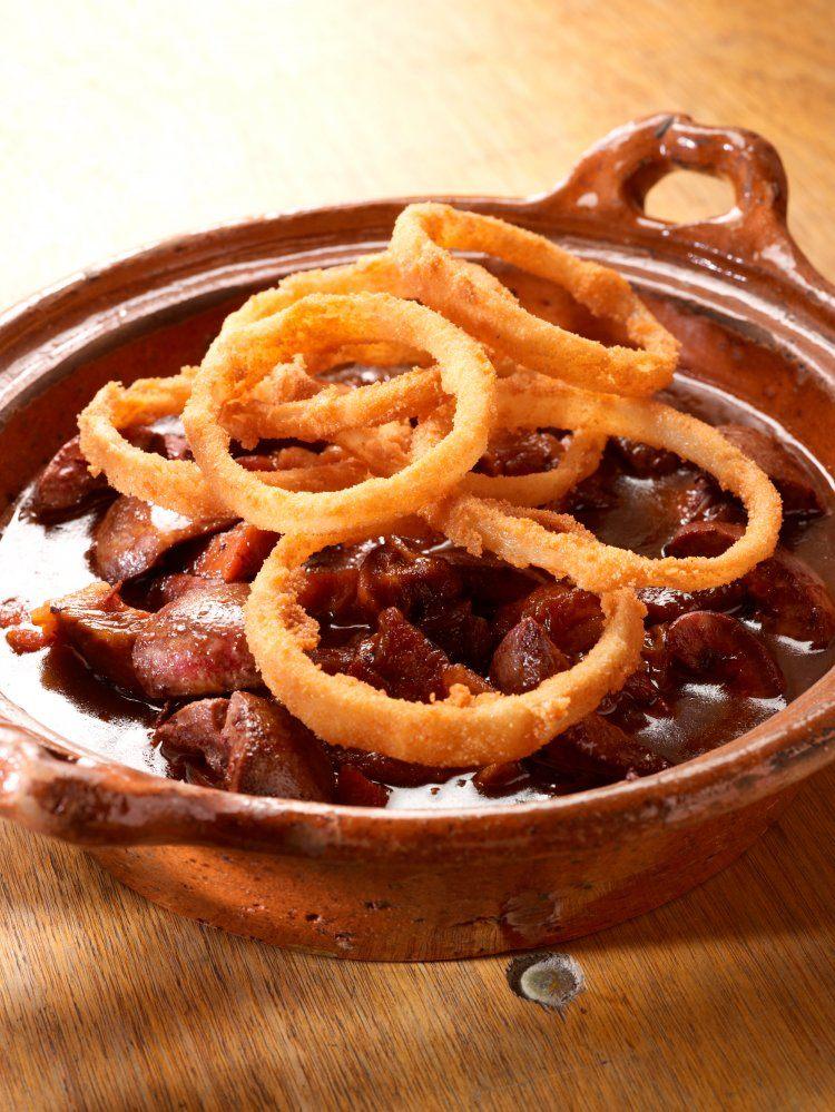 Fricasse met niertjes en gebakken aardappelen