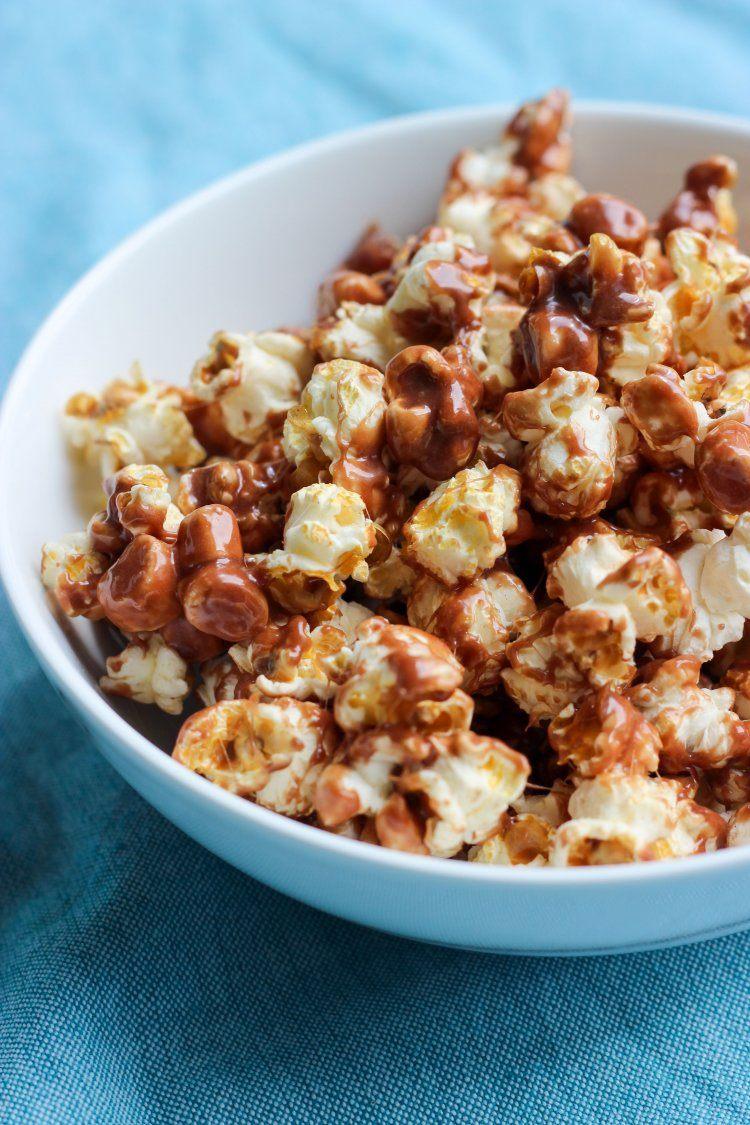 Popcorn met marshmallows en melkchocolade