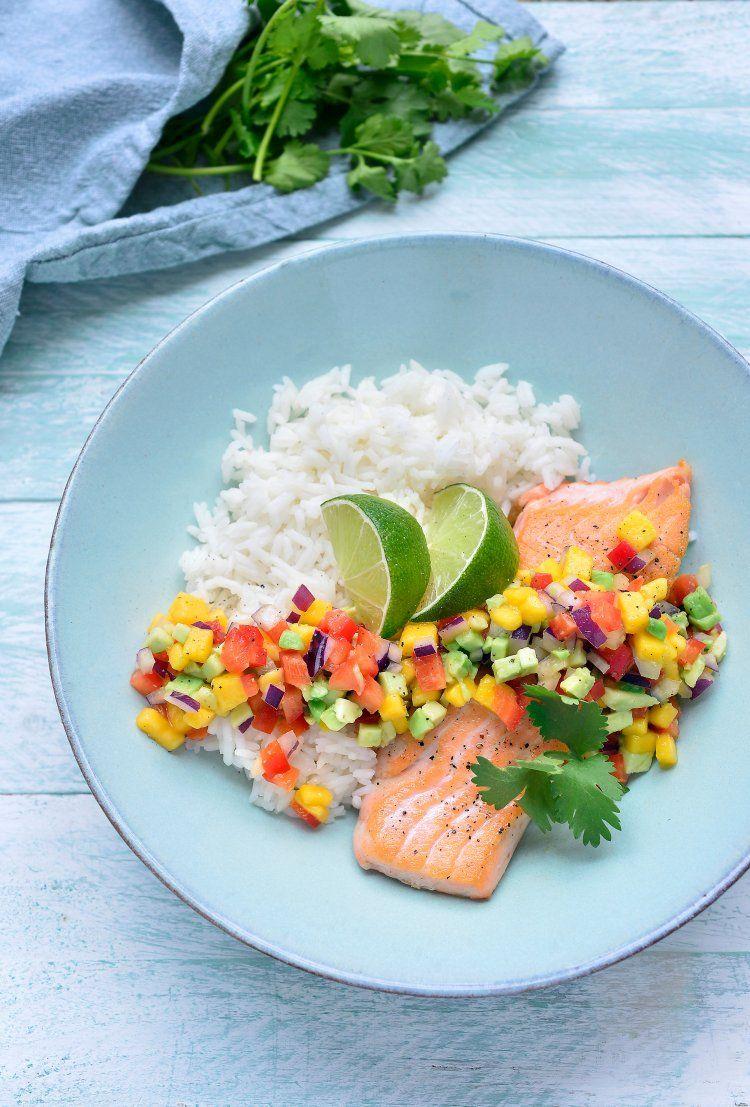 Zalm met avocado-mangosalsa en rijst