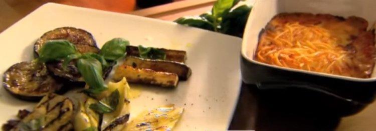 Volkoren lasagne bolognaise met contorno van Italiaanse groenten