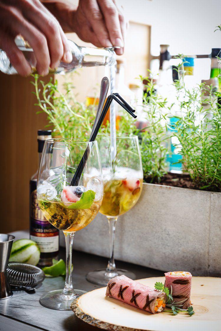 Kruidige gin & tonic & Rolletje van rosbief